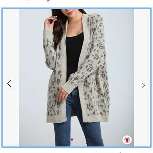 Simply Couture leopard print cardigan sz 1X